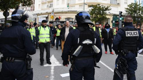 """""""Gilets jaunes"""" : l'Assemblée vote une prime exceptionnelle de 300 euros pour les forces de l'ordre"""
