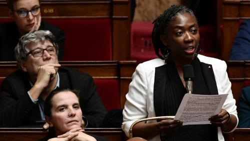 """Défiée par l'animateur Cauet, la députée de la France insoumise Danièle Obono utilise le mot """"boloss"""" à l'Assemblée nationale"""