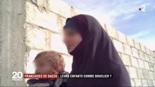 """DOCUMENT FRANCE 2. """"S'il part, je pars avec lui"""" : les jihadistes françaises détenues en Syrie refusent que leurs enfants soient rapatriés sans elles"""