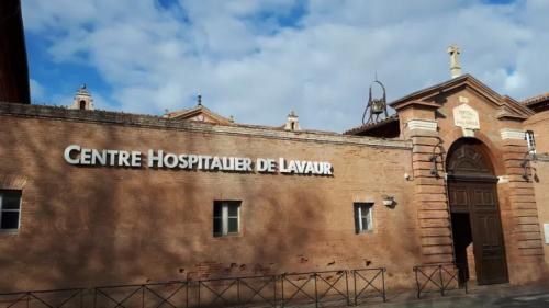 Tarn : une anesthésiste de l'hôpital de Lavaur en garde à vue dans une enquête sur des soupçons d'euthanasie sur une patiente   https://www.francetvinfo.fr/societe/euthanasie/tarn-une-anesthesiste-de-l-hopital-de-lavaur-en-garde-a-vue-dans-une-enquete-sur