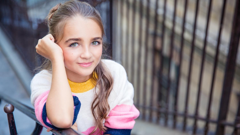 """franceinfo junior. """"Eurovision junior"""", """"The Voice Kids""""... Angelina partage sa passion de la musique avec des enfants"""