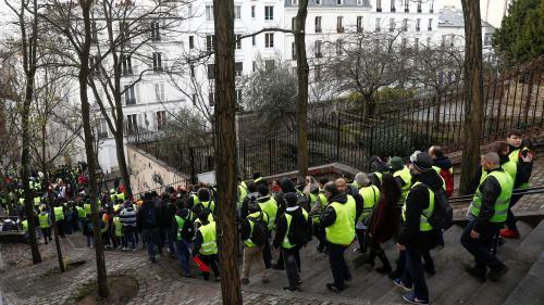 """VIDEO. """"Gilets jaunes"""" : des manifestants entonnent """"La Quenelle"""", une chanson du polémiste Dieudonné, à Paris"""