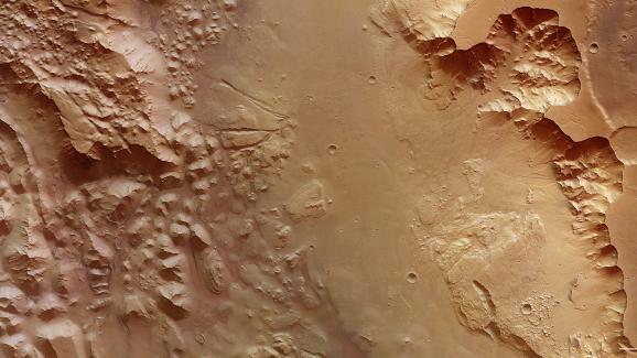 Le canyonAurorae Chaos vue par la sonde Mars Express.