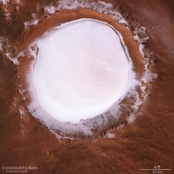 Photo du cratère martienKorolev prise par la sonde Mars Express de l\'Agence spatiale européenne.