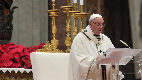 """Noël : le discours du pape centré sur la """"dimension d'accueil"""""""