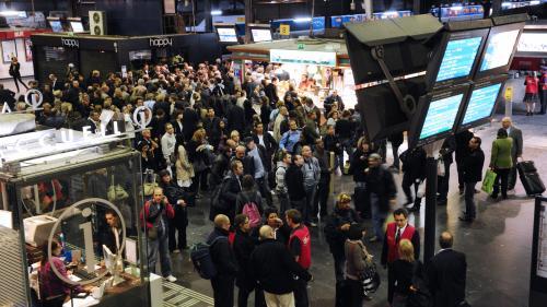 VIDEO. SNCF : les départs en vacances fortement perturbés par les grèves