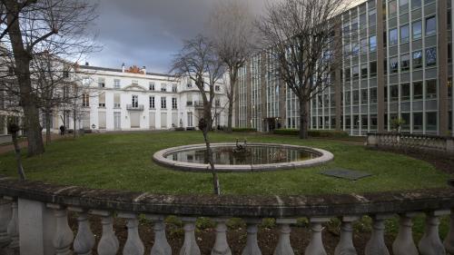 """""""Gilets jaunes"""" : le CNRS dément """"formellement"""" la mise à pied d'un chercheur pour sa participation au mouvement"""