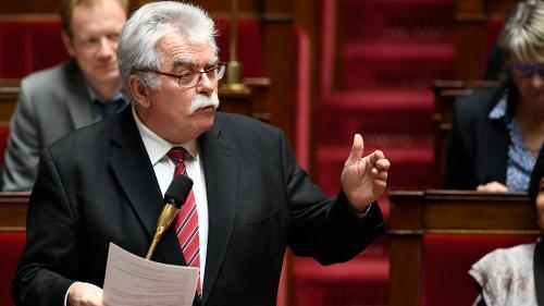 """""""Gilets jaunes"""" : le député communiste André Chassaigne demande une loi d'amnistie pour les manifestants condamnés"""