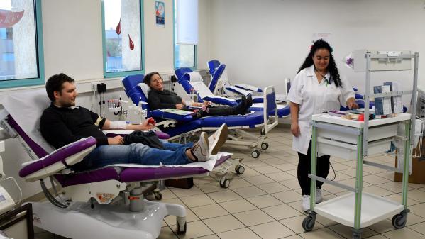 """Don du sang : pour les fêtes, l'Etablissement français du sang appelle à faire """"un cadeau précieux et utile"""""""