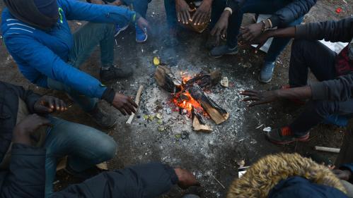"""Quatorze associations accusent l'Etat de """"mise en danger délibérée"""" des migrants"""