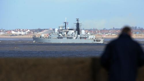 Royaume-Uni: la marine britannique dépêche un navire dans la Manche pour contrer les migrants