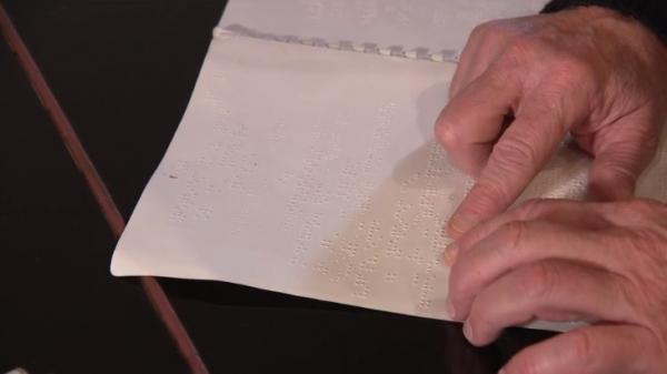 Non-voyants : le braille se réinvente avec les nouvelles technologies