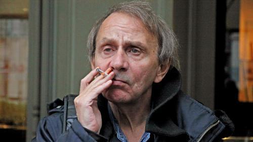 """Il sort aujourd'hui en librairies : pourquoi """"Sérotonine"""" est le plus houellebecquien et le plus triste des romans de Michel Houellebecq"""
