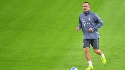 Après avoir mangé une entrecôte couverte de feuilles d'or, Franck Ribéry répond avec virulence aux critiques