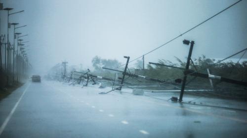 Thaïlande : en pleine saison touristique, une tempête cause des inondations et des coupures de courant