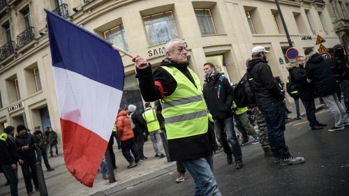 """DIRECT. Plusieurs centaines de """"gilets jaunes"""" réunis sur les Champs-Elysées pour l'""""acte 8"""" du mouvement"""