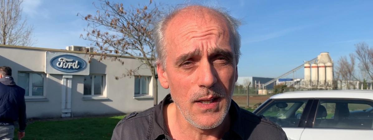 Philippe Poutou, délégué syndical CGT chez Ford Blanquefort (Gironde) et porte-parole du NPA (Nouveau parti anticapitaliste), le 11 décembre 2018 devant le comité d'entreprise de Ford à Blanquefort.
