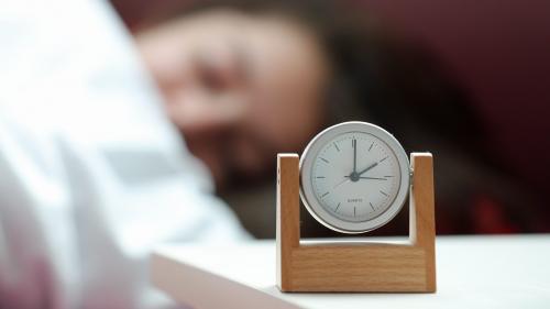 """""""Une petite heure en plus, ce ne serait vraiment pas de refus"""" : des lycéens franciliens approuvent l'idée de retarder le début des cours à 9 heures le matin"""