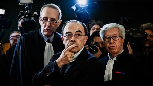 """""""Franchement, je ne vois pas de quoi je suis coupable"""" : au premier jour de son procès, le cardinal Barbarin use de l'art de l'esquive"""