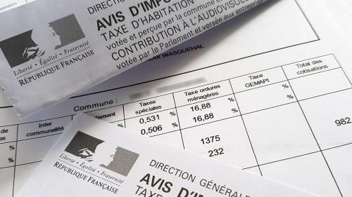 """La suppression de la taxe d'habitation pour les plus riches sera """"sur la table"""" lors du """"grand débat national"""", annonce l'Elysée"""