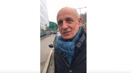 """VIDEO. """"Il ne faut pas refuser ces échanges"""" : Jean-Michel Aphatie réagit à sa discussion musclée avec un """"gilet jaune"""""""