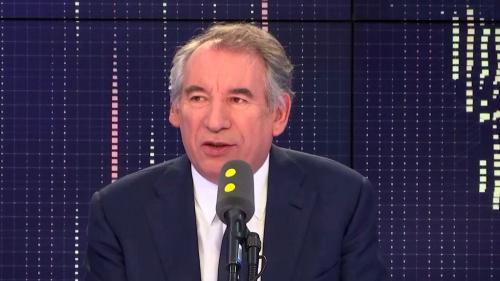 """VIDEO. François Bayrou dénonce la """"légitimité nulle"""" de la Commission nationale du débat public"""