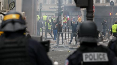 """""""Gilets jaunes"""" : un deuxième homme mis en examen et écroué dans l'enquête sur le vol d'un fusil d'assaut à Paris"""
