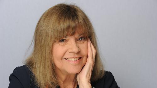 """Chantal Goya remonte sur scène à 76 ans dans """"Le Soulier qui vole"""""""