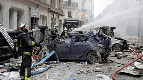 """DIRECT. Explosion à Paris : """"Certains bâtiments pourraient s'écrouler à tout moment"""", mettentengarde les pompiers"""
