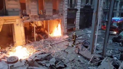 VIDEO. Explosion d'un immeuble à Paris : unjournaliste italien filme les premiers instants quiont suivi le drame