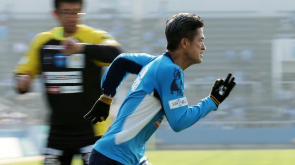 Japon: Le footballeur le plus vieux signe un nouveau contrat à 52 ans