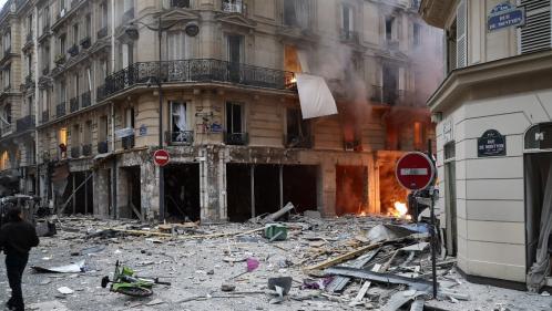 Explosion d'un immeuble à Paris : au moins 20 blessés, dont deux en urgence absolue