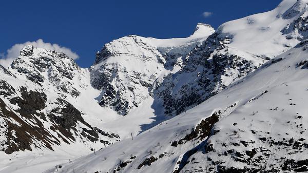 Avalanches : un randonneur est mort, les accidents se multiplient en montagne
