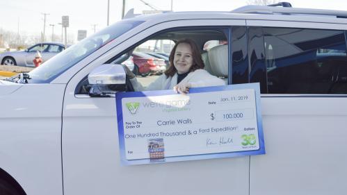 """Etats-Unis : l'épouse d'un fonctionnaire touché par le """"shutdown"""" gagne 100 000 dollars à la loterie"""