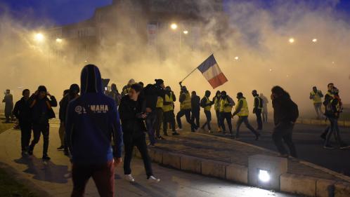 """""""Gilets jaunes"""" : 14 personnes poursuivies après la manifestation de Bourges"""