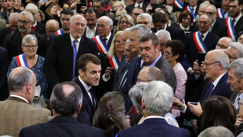 Grand débat : Emmanuel Macron face à 600 maires normands