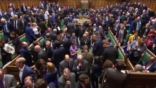 Brexit: les députés britanniques rejettent à une large majorité l'accord négocié par Theresa May avec l'Union européenne