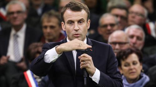 """VIDEO. Pour Emmanuel Macron, """"la question de l'ISF n'est pas un tabou ni un totem"""""""