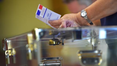 Européennes : LREM repasse devant le Rassemblement national, selon un sondage