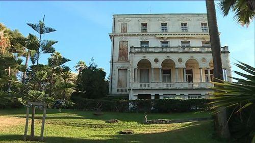 Nice : 9000m2 de jardin, 1200m2 de surface... La villa Paradiso toujours à vendre pour 7,8millions (mais n'oubliez pas de compter les 2 millions de travaux)