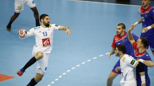 Mondiaux de handball : la France termine le tour préliminaire sur une courte victoire face à la Russie (23-22)