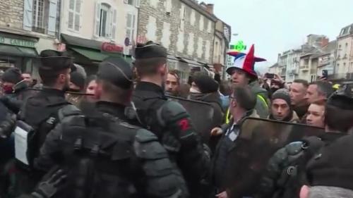 Grand débat : Souillac attend Macron dans une ambiance tendue