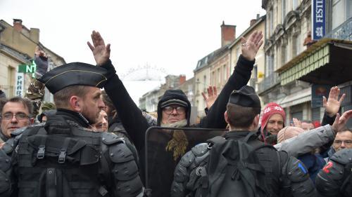 DIRECT. Grand débat national : Emmanuel Macron effectue une visite surprise dans une école avant de se rendre à Souillac