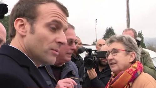 """VIDEO. """"Pourquoi j'ai 100 euros de moins ?"""" Un retraité du Lot interpelle Emmanuel Macron sur la baisse de sa pension"""