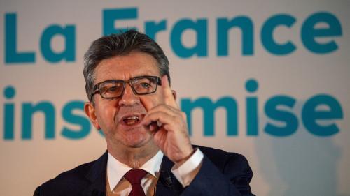 """Gilets jaunes : Jean-Luc Mélenchon ne croit """"pas utile de s'en prendre aux journalistes"""""""