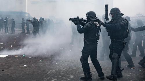 """Flash-ball : """"Des armes intermédiaires non létales, strictement encadrées"""" pour le syndicat Alliance"""