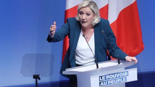"""""""On empêche le premier parti d'opposition de tenir son premier meeting des européennes"""" dénonce Marine Le Pen"""