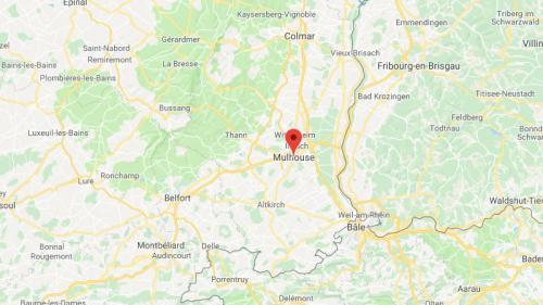 Mulhouse : les policiers se font passer pour des clients et interpellent le vendeur d'une moto volée   https://www.francetvinfo.fr/faits-divers/mulhouse-les-policiers-se-font-passer-pour-des-clients-et-interpellent-le-vendeur-d-une-moto-volee_3150845.html