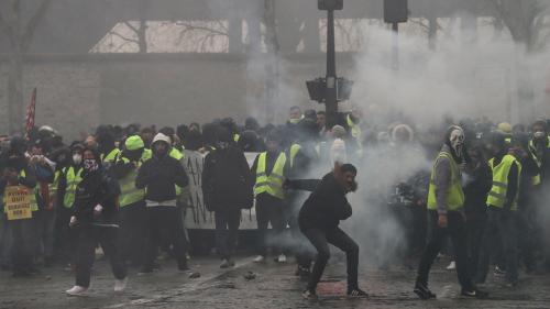 """""""Gilets jaunes"""" : """"Le gros travail judiciaire permet de distinguer plus clairement les casseurs des manifestants"""""""