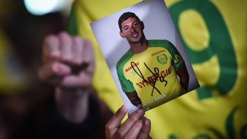 """RECIT. """"Je n'arrive pas y croire"""" : des adieux à ses coéquipiers jusqu'à sa disparition, le dernier séjour d'Emiliano Sala à Nantes"""